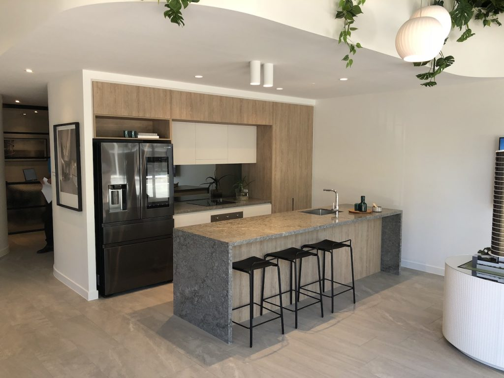 kitchen trends 2019 contrasting