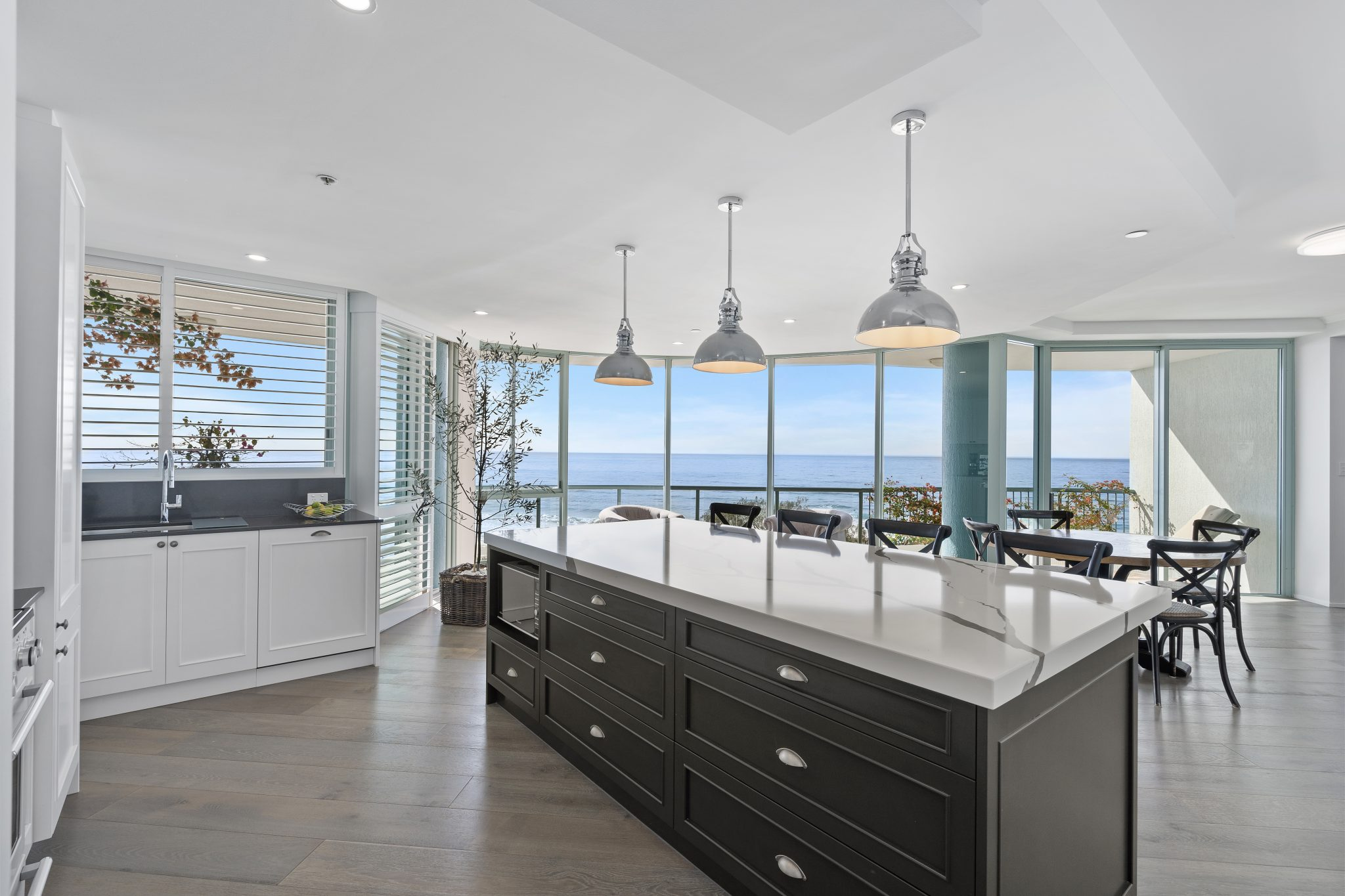 hamptons kitchen renovations gold coast best